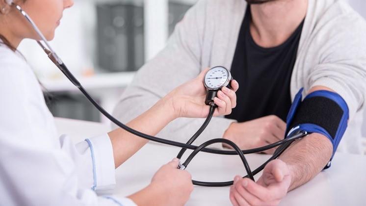 magas vérnyomás töltése
