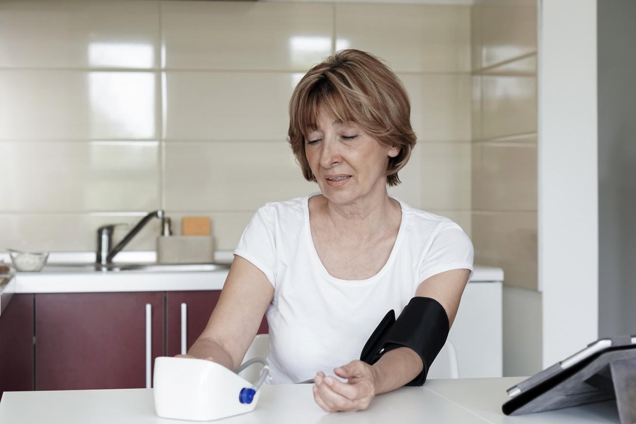 hipertóniában szenvedő l-ek magas vérnyomás tesztelő klinikák