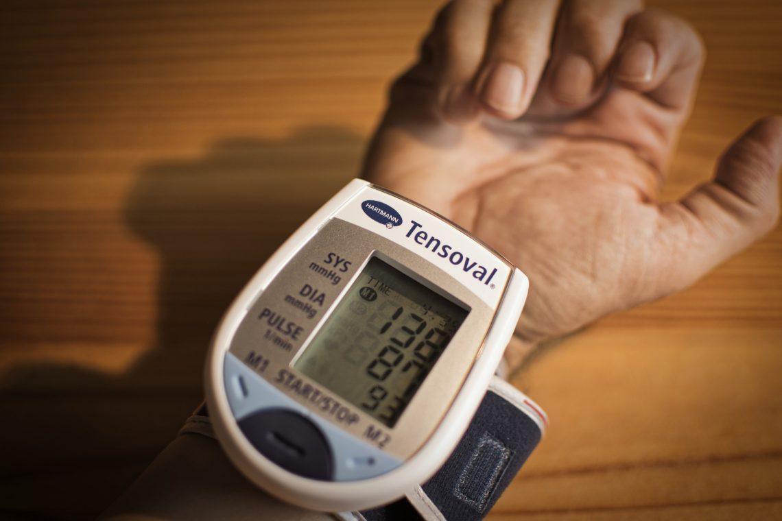 vér a fülekből magas vérnyomás esetén magas vérnyomás legjobb klinikák