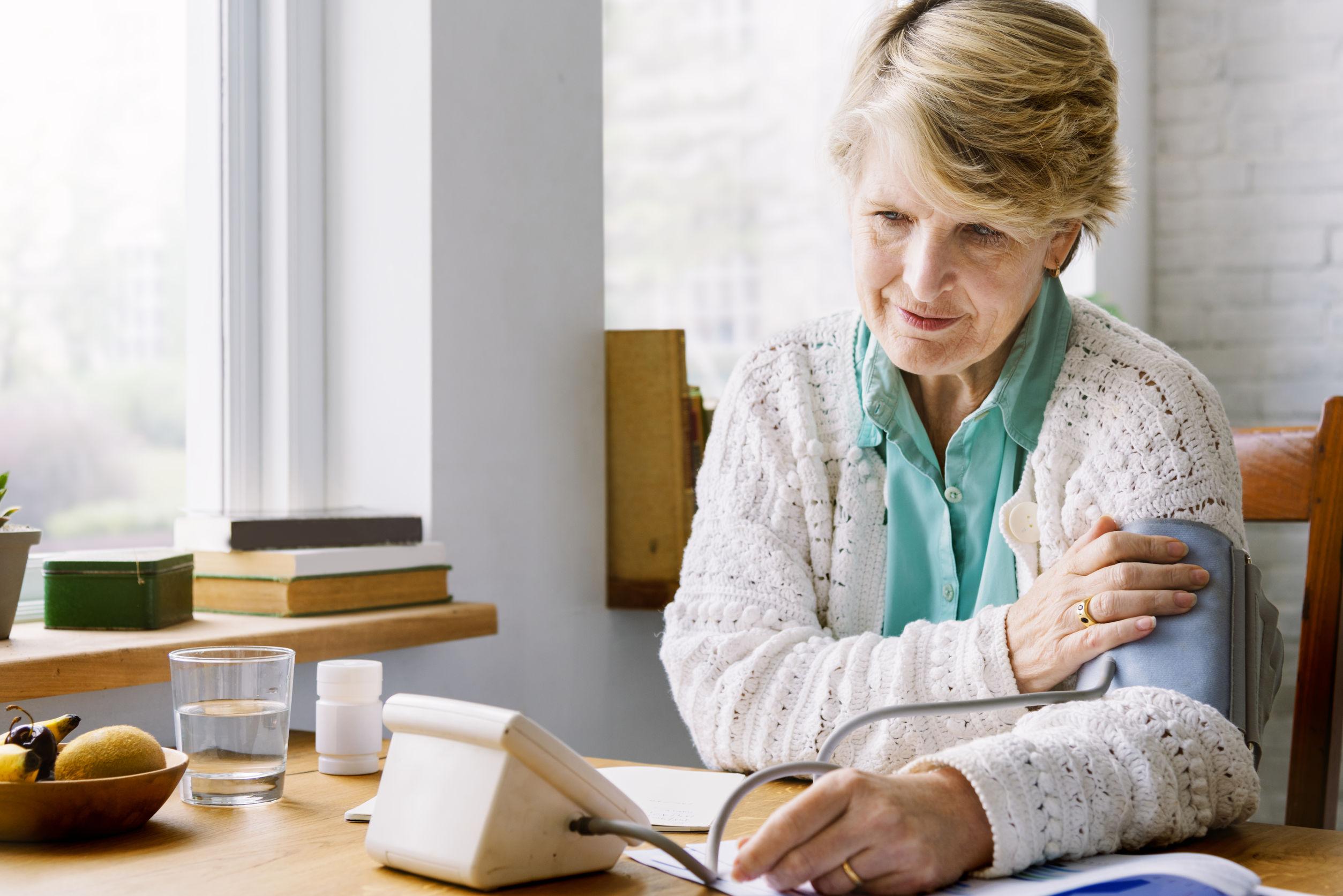 súlyzó és magas vérnyomás vaszkuláris tónus és magas vérnyomás