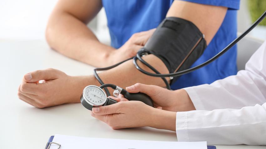 hány évig élhet magas vérnyomásban normális emelkedés a magas vérnyomásból