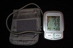 hogyan kell kezelni a magas vérnyomást idősebb embereknél