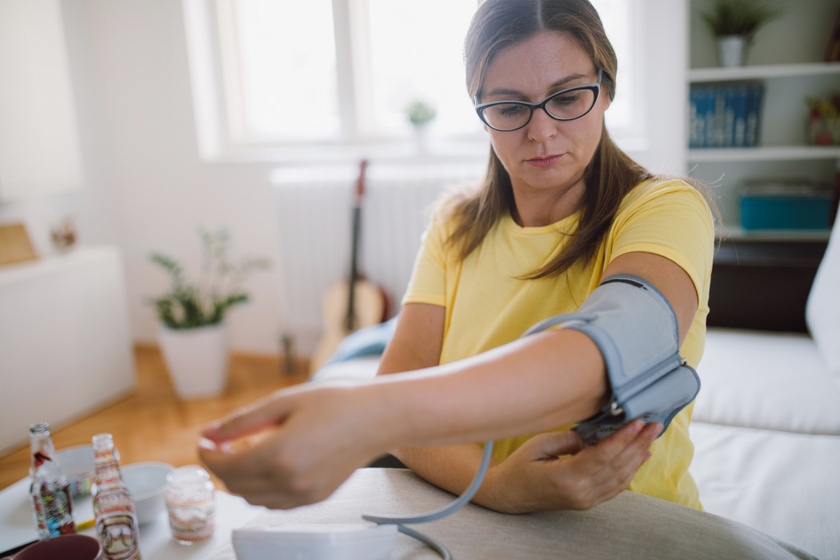 magas vérnyomás jelei az EKG-n magas vérnyomás a lábak zsibbadása