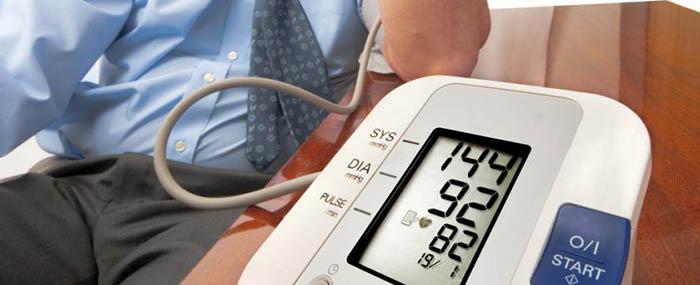 színes hipertónia a magas vérnyomás kockázatértékelése