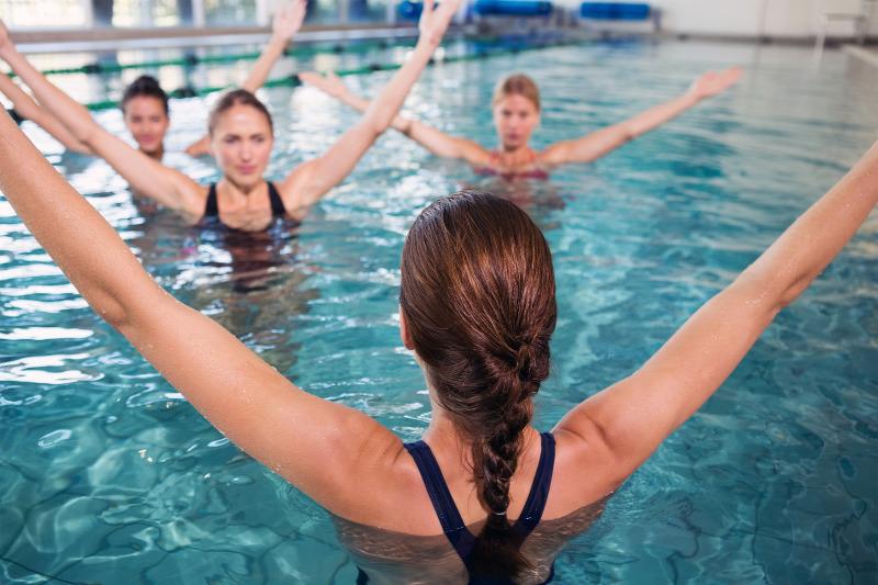 úszás a medencében magas vérnyomásban